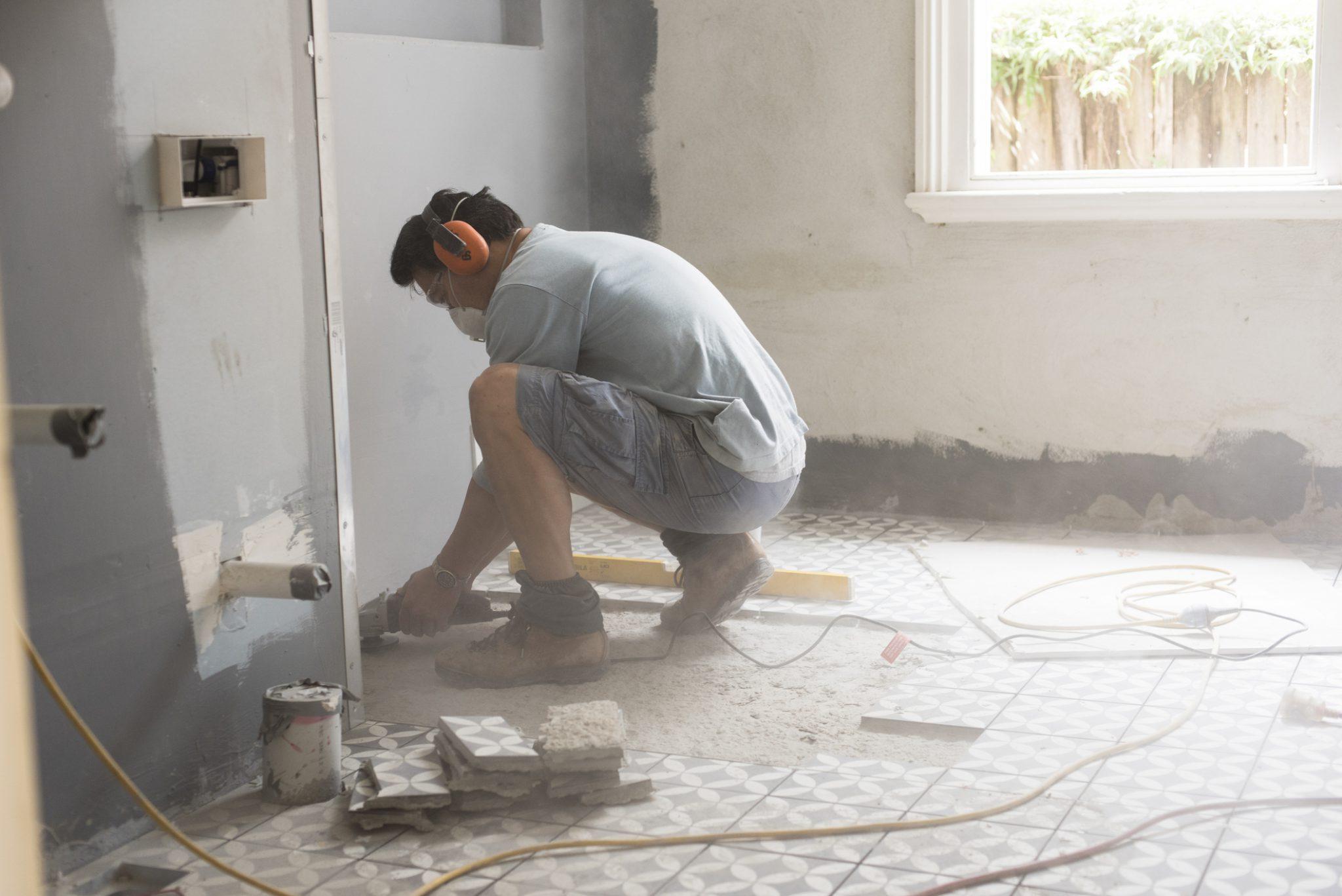 schuren vloer beton badkamer
